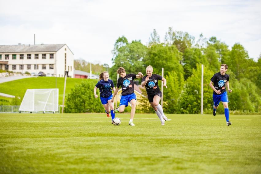 Elever på idrettsfag med toppidrett fotball