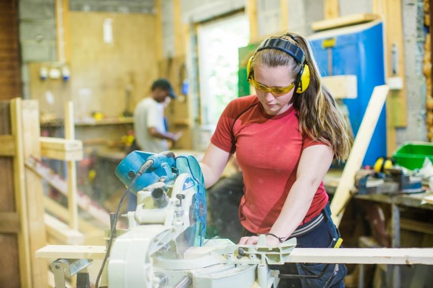 Elever på bygg- og anleggsteknikk ved Tingvoll vgs